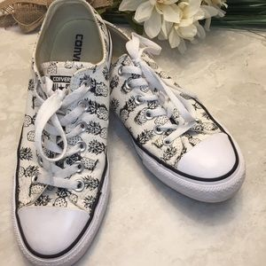 Converse Pineapple Print Lace up Sneakers Size 8